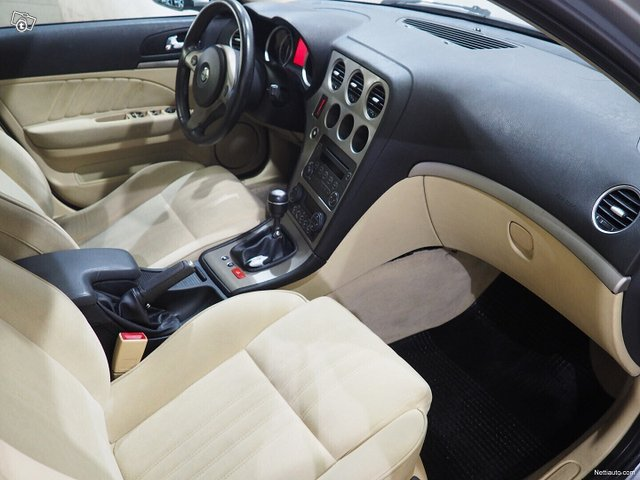 Alfa Romeo 159 9