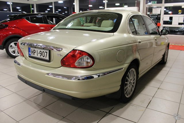 Jaguar X-TYPE 5