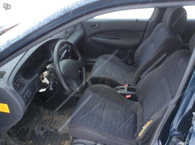 Mazda 323 7
