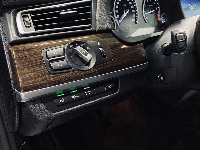 BMW 750 9
