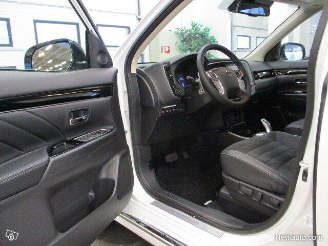 Mitsubishi Outlander PHEV 6