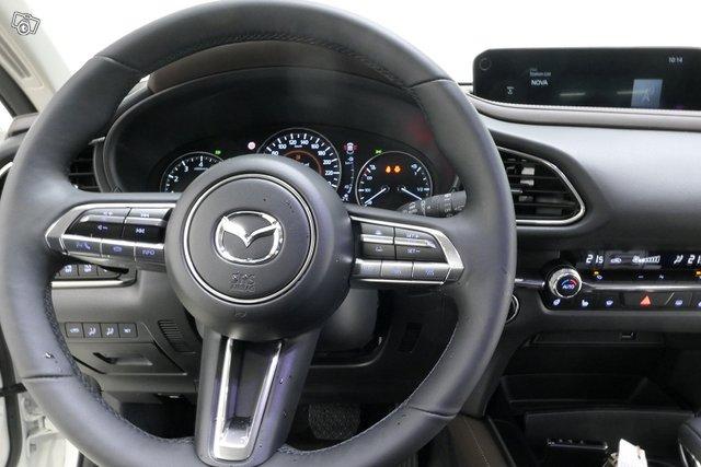 Mazda CX-30 13