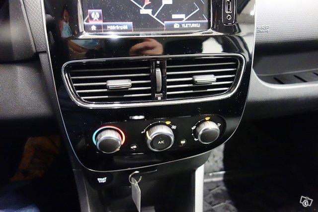 Renault Clio 22