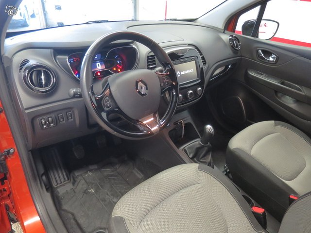 Renault CAPTUR 12
