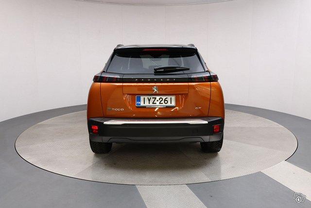 Peugeot E-2008 5