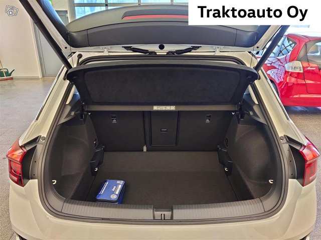 Volkswagen T-Roc 3