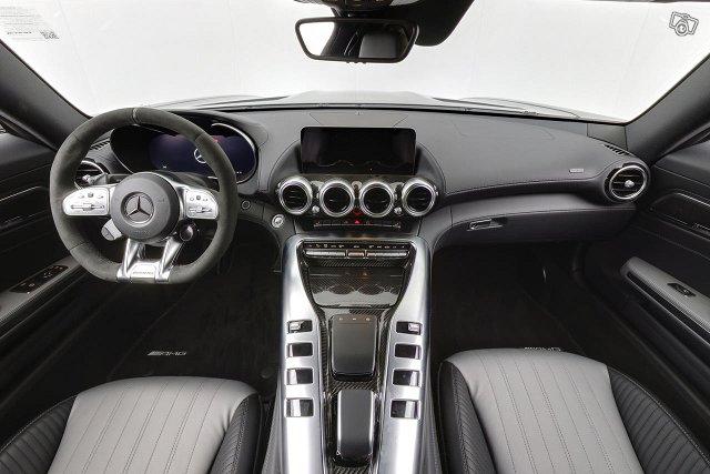 Mercedes-Benz GT 12