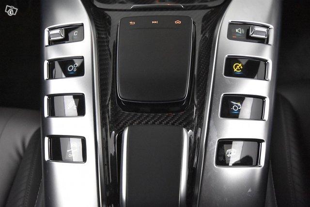 Mercedes-Benz GT 17