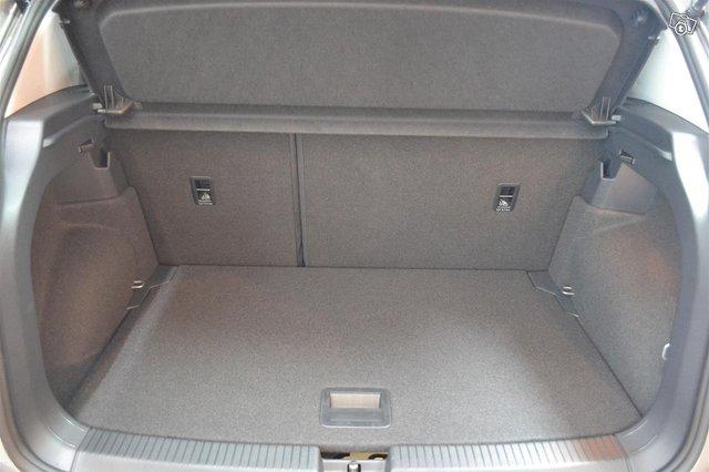 Volkswagen T-Cross 10