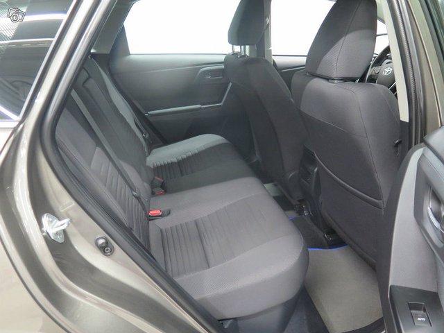 Toyota AURIS 6