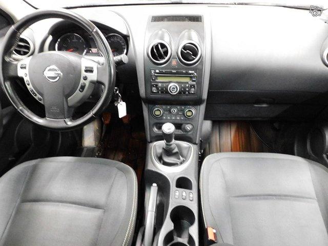 Nissan QASHQAI+2 8