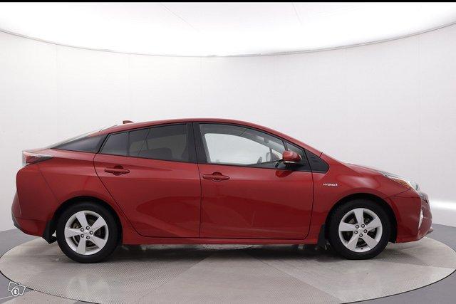 Toyota Prius 6