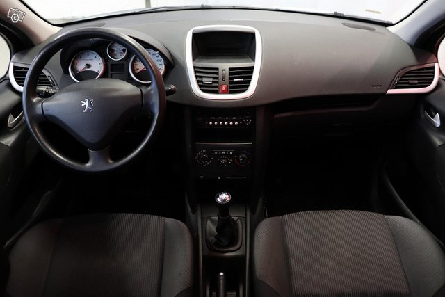 Peugeot 207 9