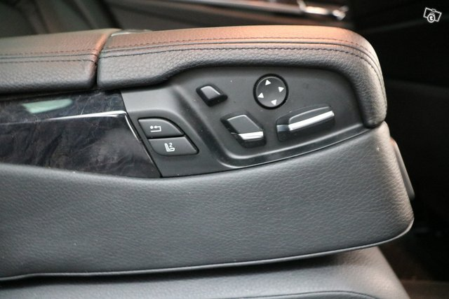 BMW 7-sarja 13