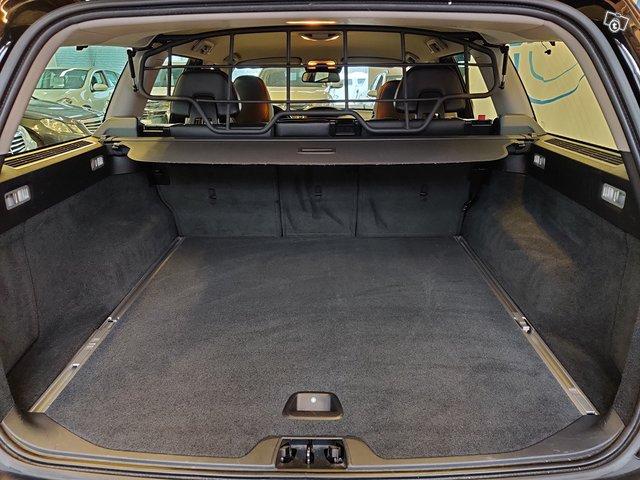 Volvo XC70 8
