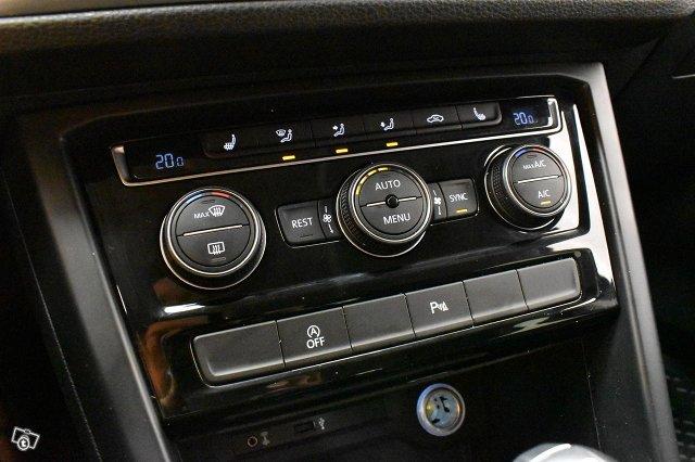 Volkswagen Touran 22