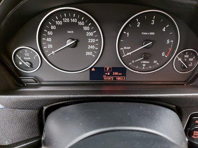 BMW 318 Gran Turismo 23