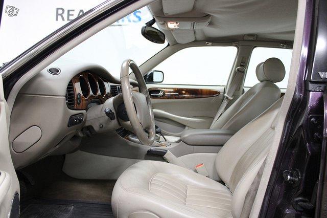 Jaguar XJ8 11