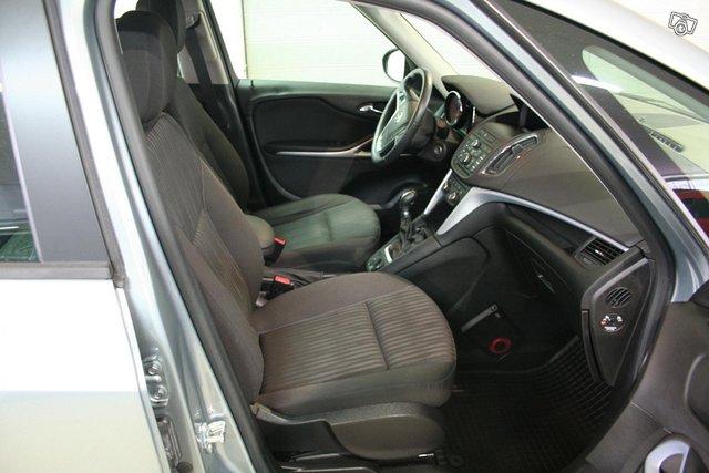 Opel Zafira Tourer 6