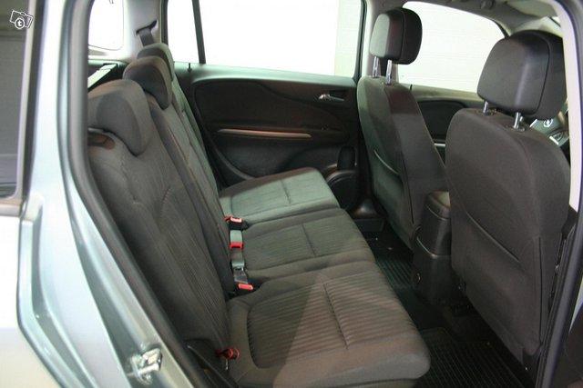 Opel Zafira Tourer 7