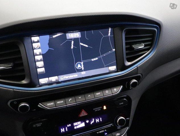 Hyundai IONIQ Hybrid 13