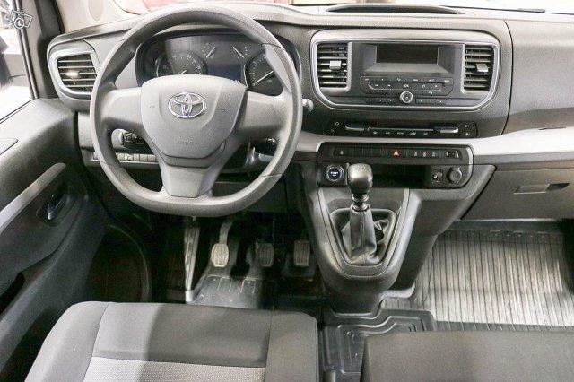 Toyota Proace Verso 6