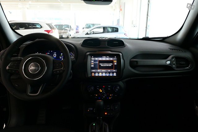 Jeep Renegade 9
