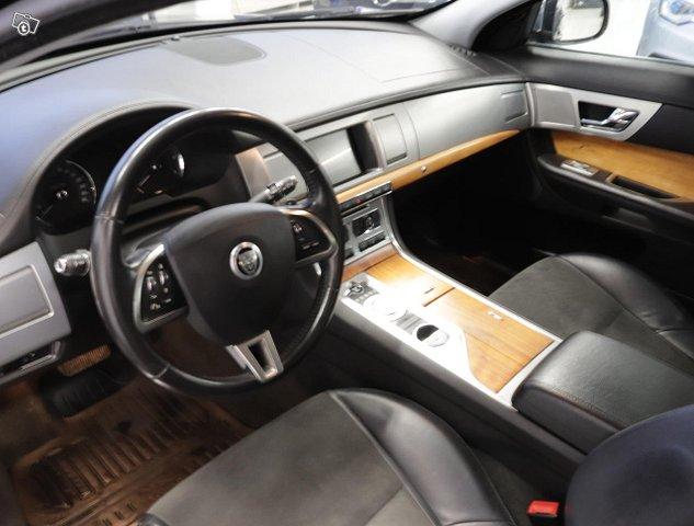 Jaguar XF 7