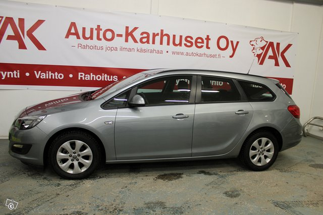 Opel ASTRA SPORTS TOURER 3