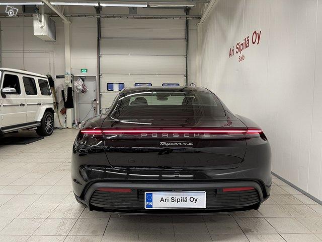 Porsche Taycan 4S 6