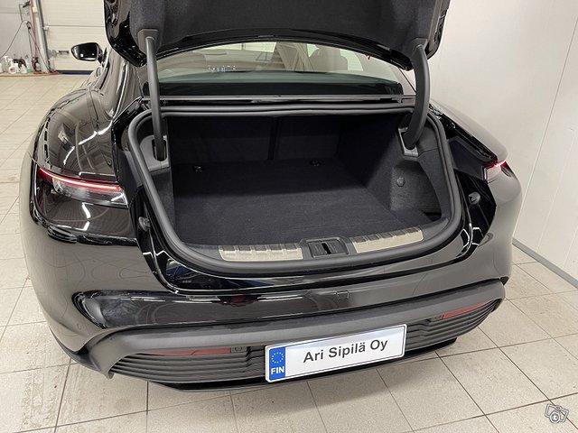 Porsche Taycan 4S 7