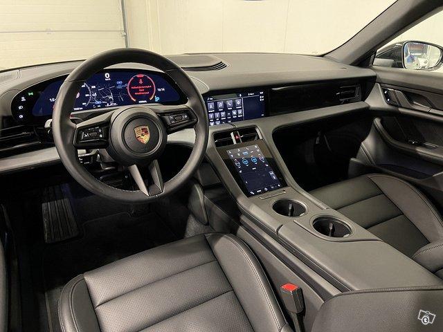Porsche Taycan 4S 8
