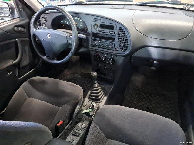 Saab 900 10