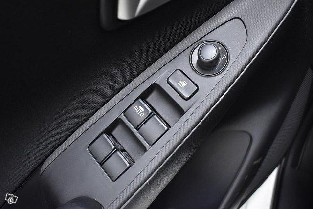 MAZDA Mazda2 15
