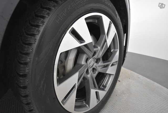 Audi E-TRON 23