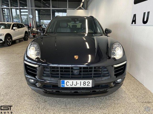 Porsche Macan 4