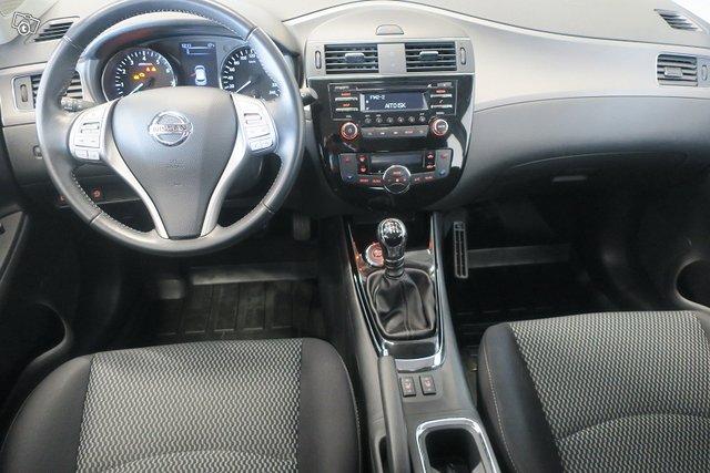 Nissan Pulsar 8