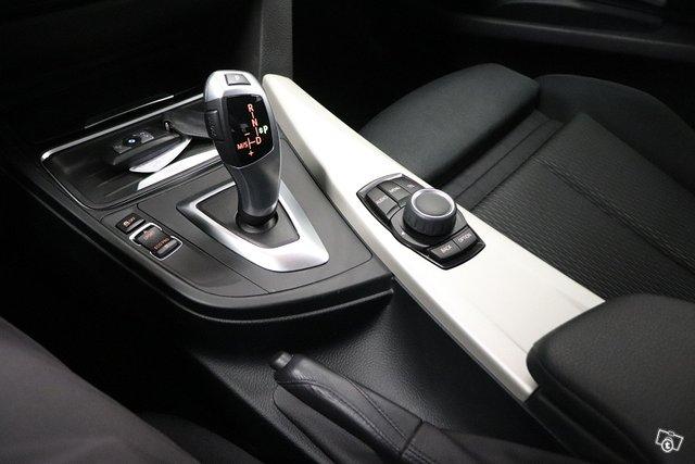 BMW 318 Gran Turismo 15