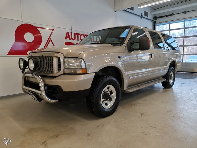 FORD Excursion 1