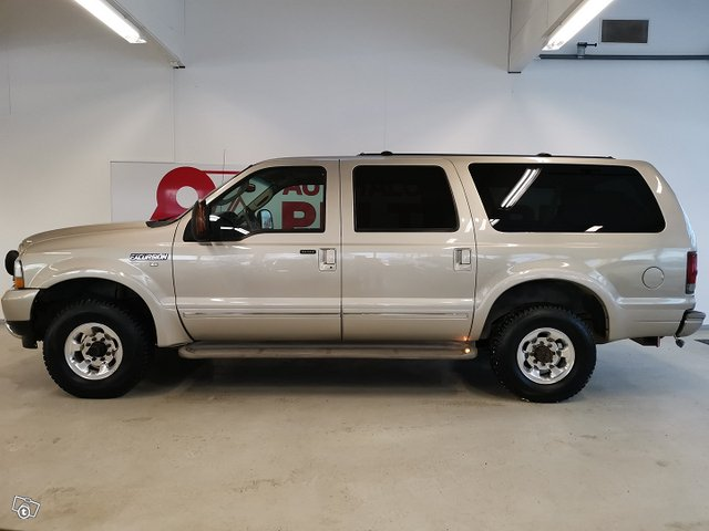 FORD Excursion 2