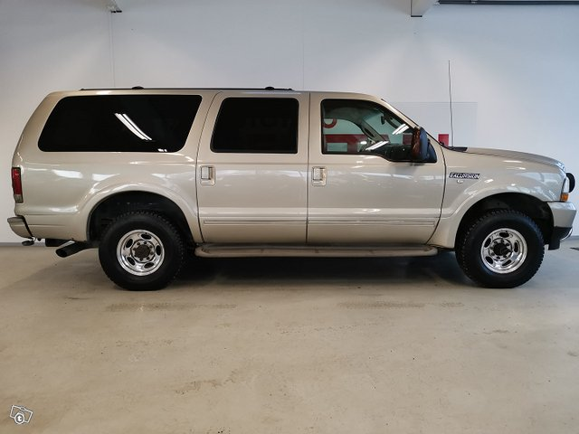 FORD Excursion 6