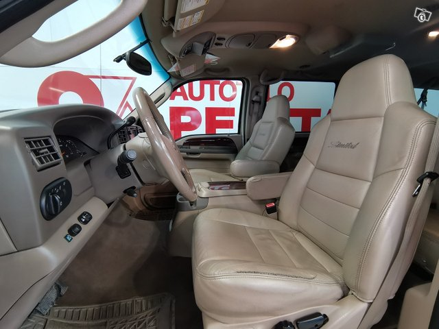 FORD Excursion 10