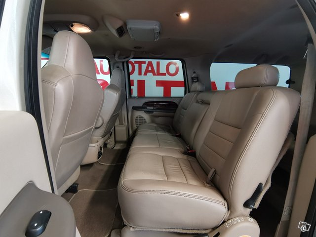 FORD Excursion 11