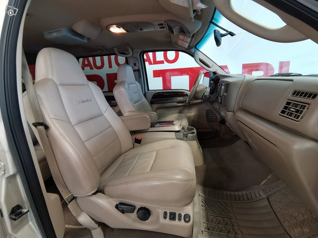 FORD Excursion 14