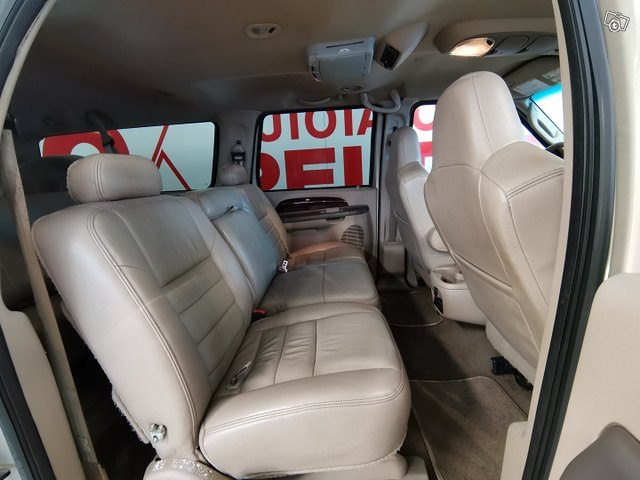 FORD Excursion 15