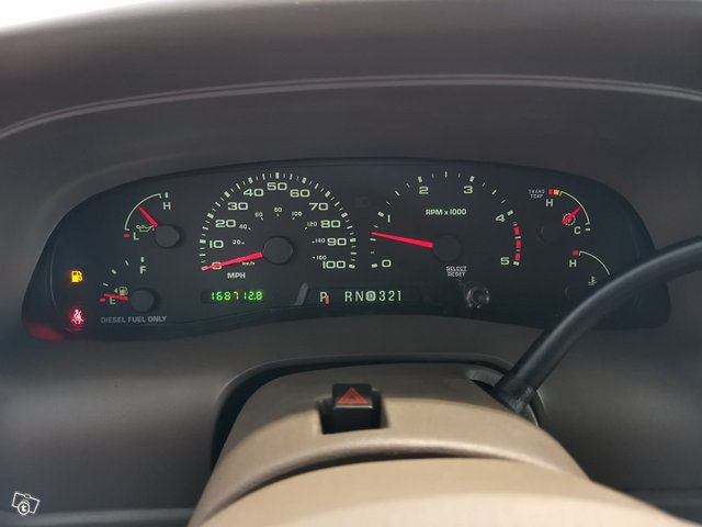 FORD Excursion 18