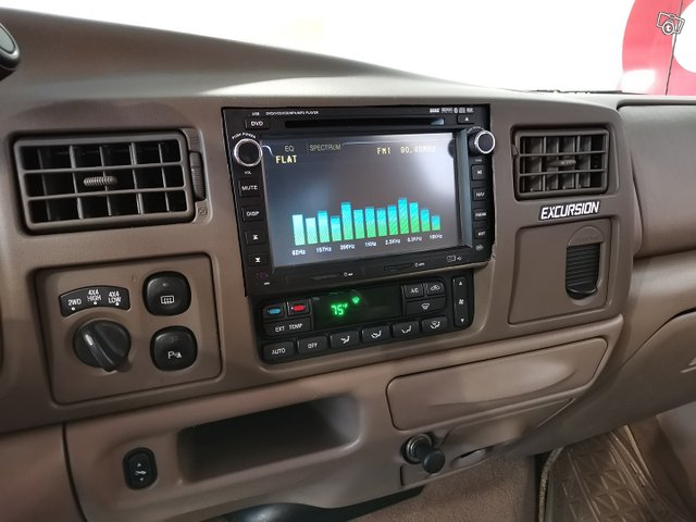 FORD Excursion 19