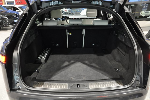 LAND ROVER Range Rover Velar 23
