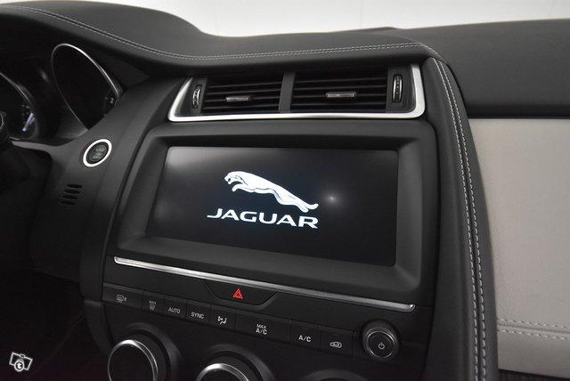 Jaguar E-PACE 13