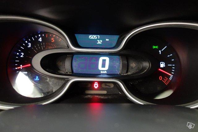 Nissan NV300 13